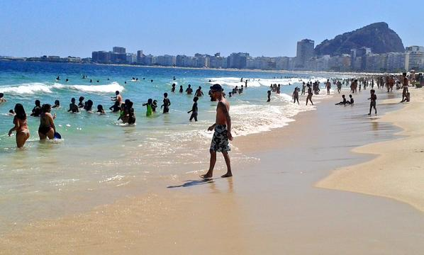 Praia de Copacabana, janeiro/2014