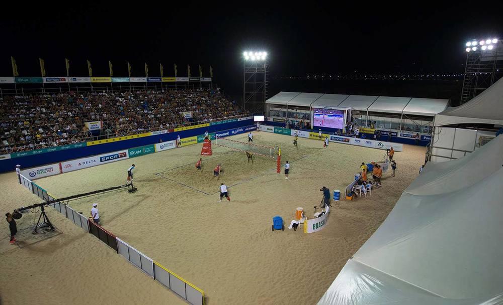 Arena do Desafio de volei de praia em Copacabana