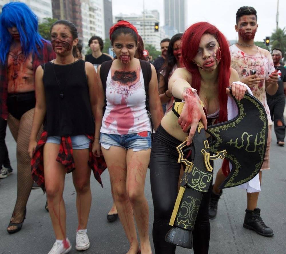 Zombie girls na Praia de Copacabana
