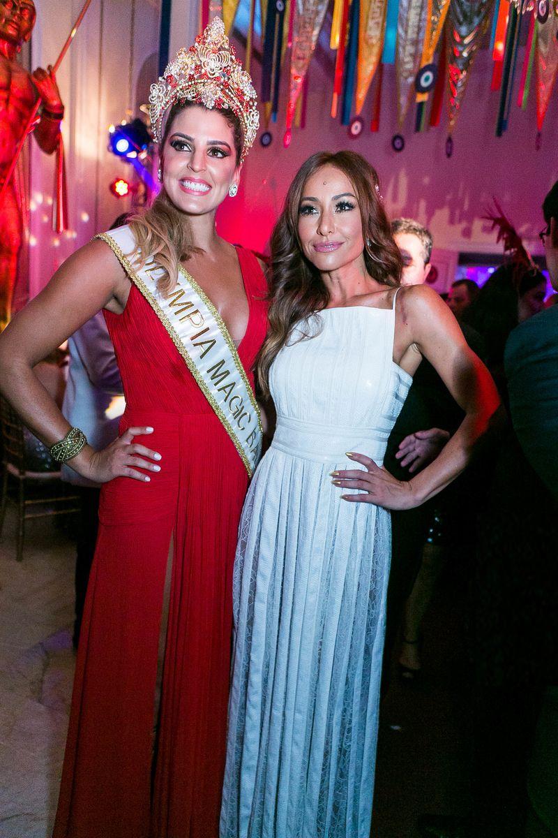 Rainha do Baile de Carnaval do Copacabana Palace 2016, a jogadora de volei Mari Paraiba e Sabrina Sato a Rainha 2015