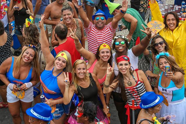 Bloco Empolga às 9 em Copacabana