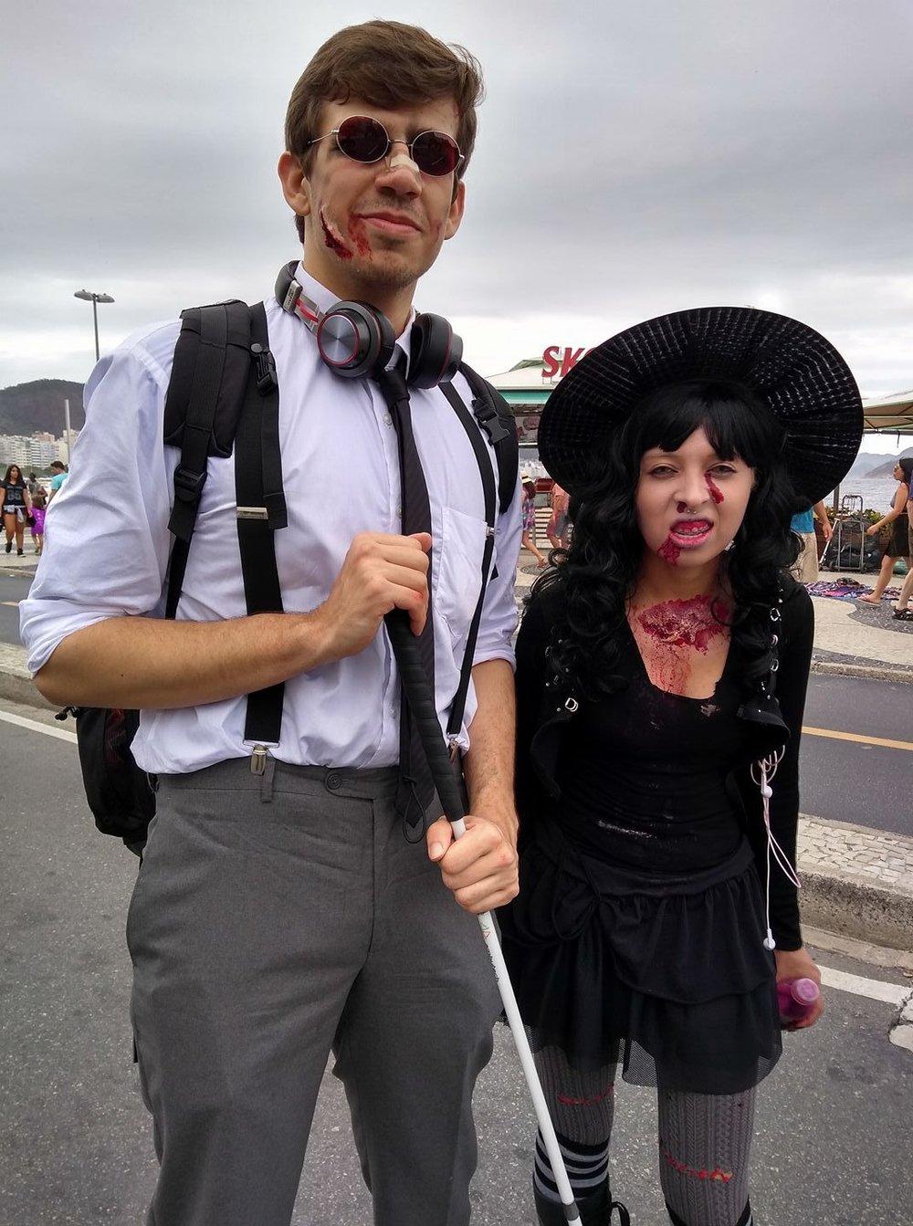 Casal de Zombies desfila na Zombie Walk 2017 na Praia de Copacabana