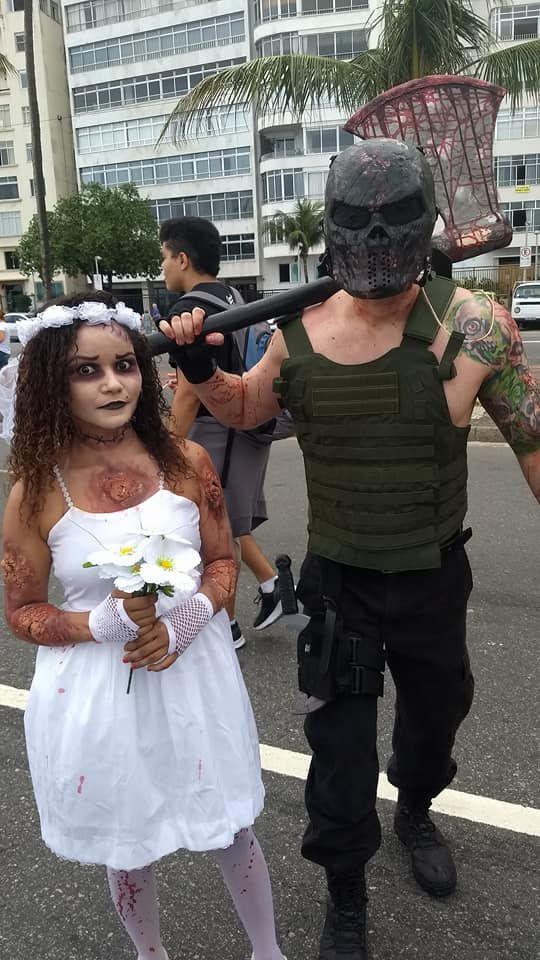 Noiva zumbi na Zombie Walk 2017 em Copacabana