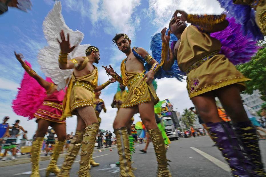 Tradicional anjos da Parada Gay de Copacabana