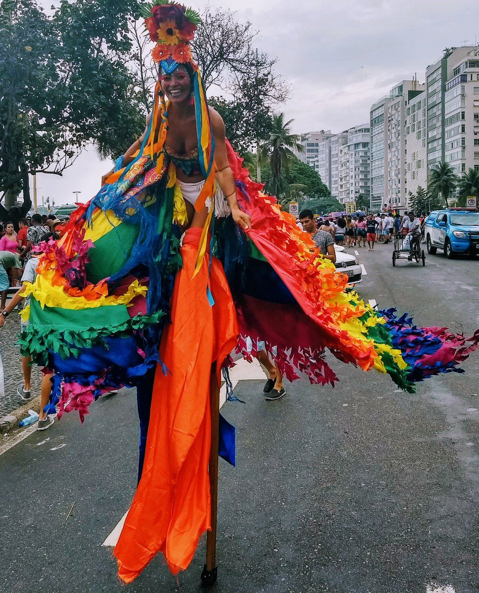 Arco-iris de perna de pau na Parada LGBT de Copacabana 2017