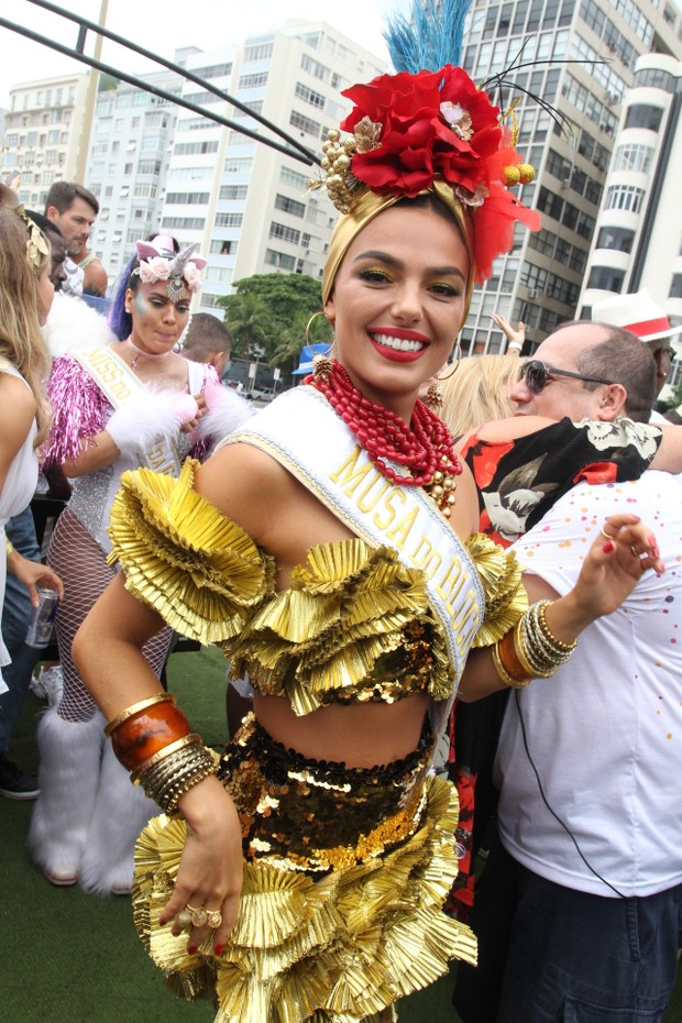 rainha do Baile Mágico 2018 do hotel Copacabana Palace atriz isis valverde