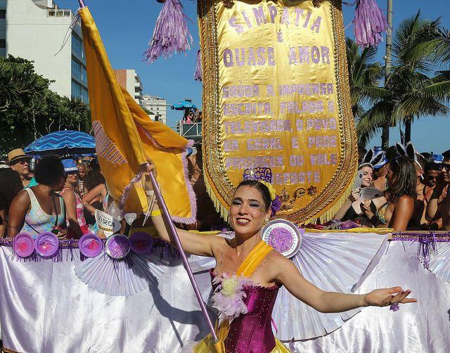 Estandarte do Simpatia é quase amor no desfile de domingo de Carnaval em Ipanema 2018