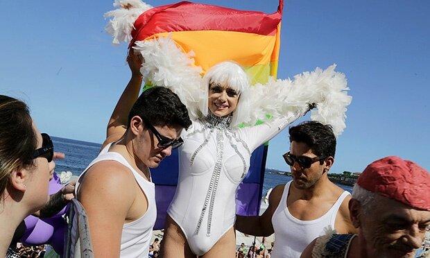 Leticia Spiller na Parada Gay 2014 em Copacabana