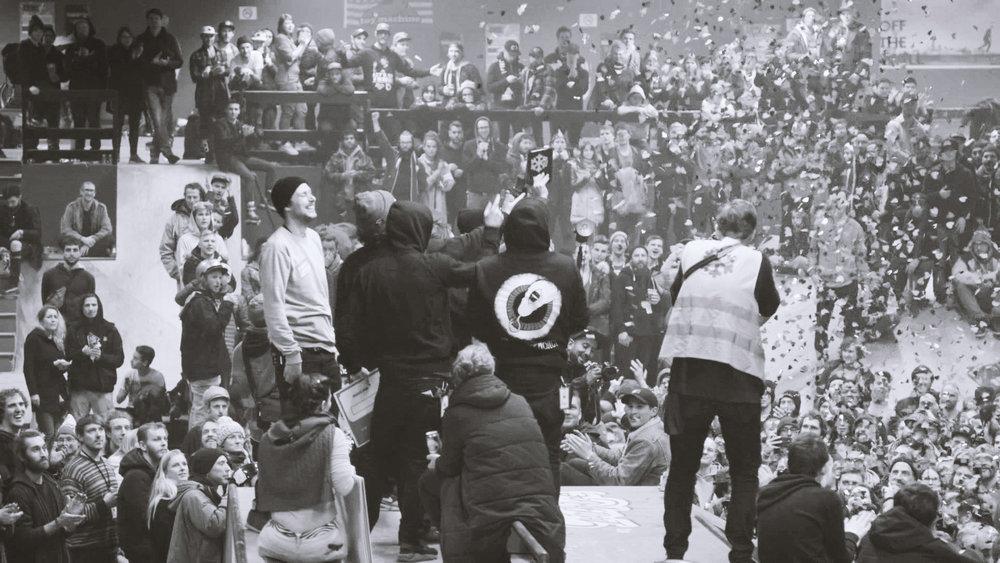 Crowd02.jpg