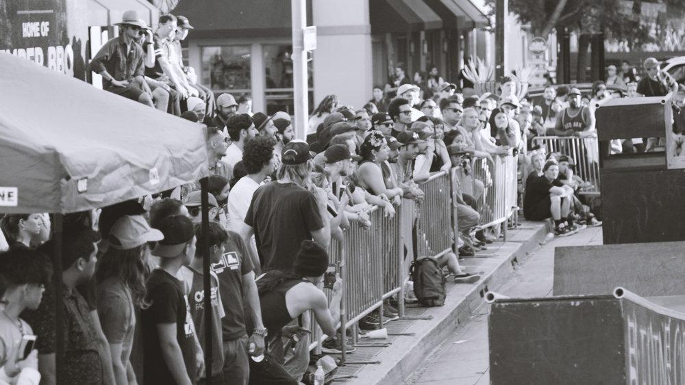 Crowd03.jpg