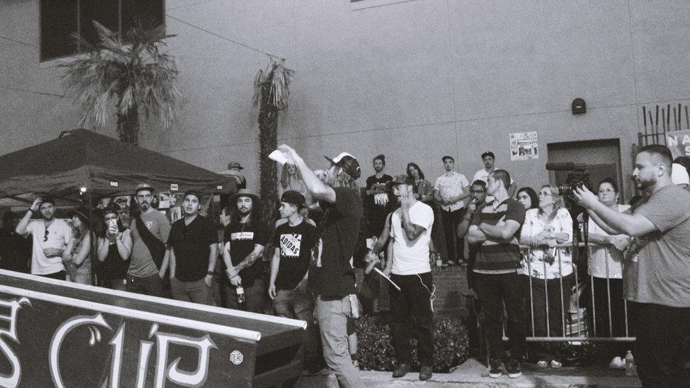 Crowd06.jpg