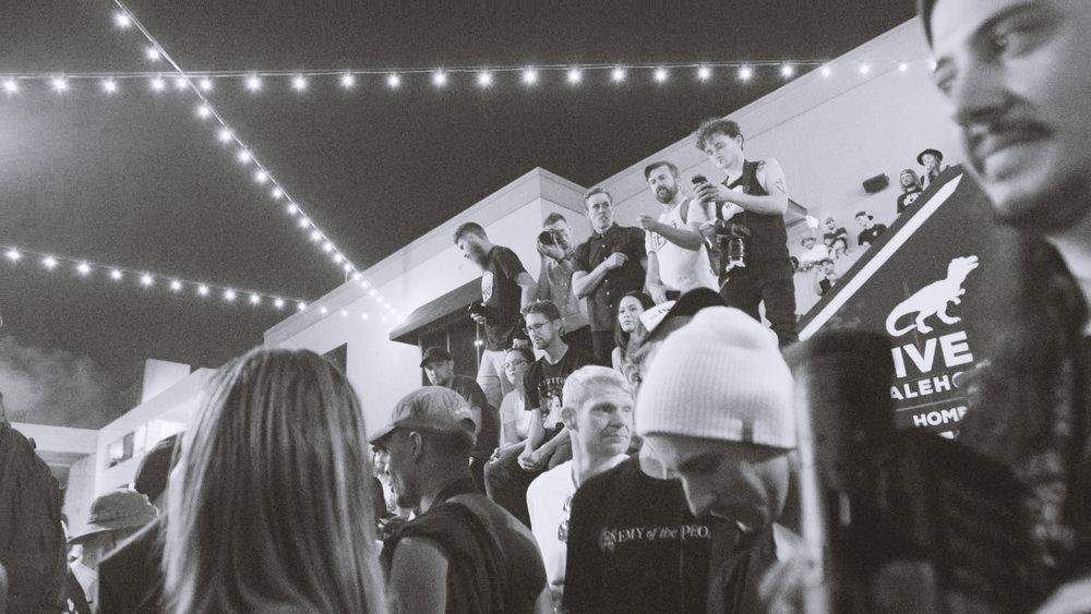 Crowd07.jpg