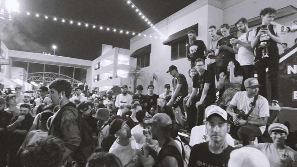 Crowd10.jpg