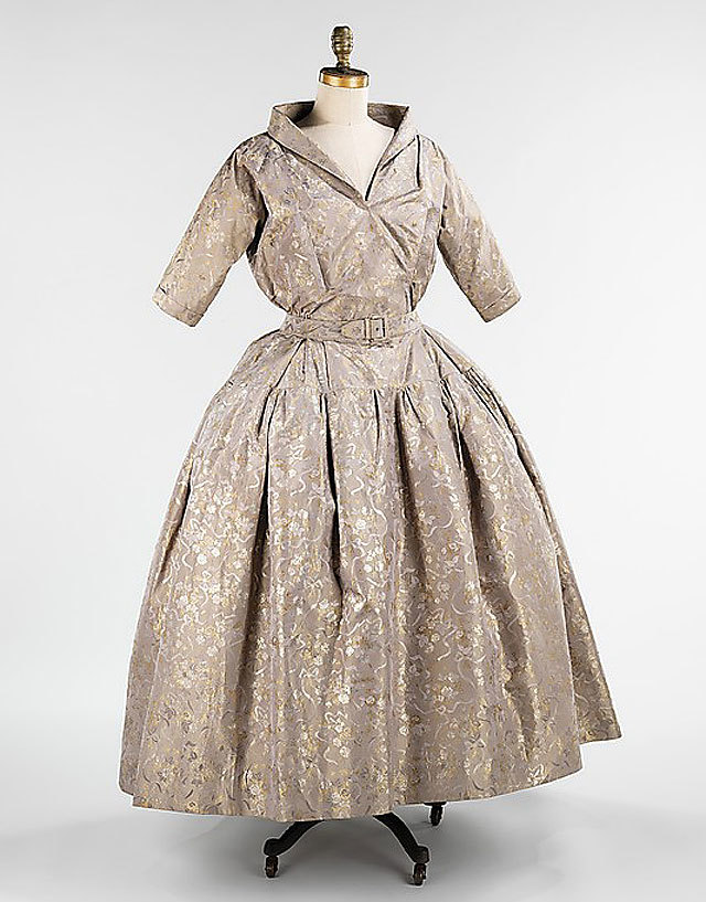 dinner ensemble by Christian Dior, fall/winter 1949/50. source Metropolitan Museum of Art