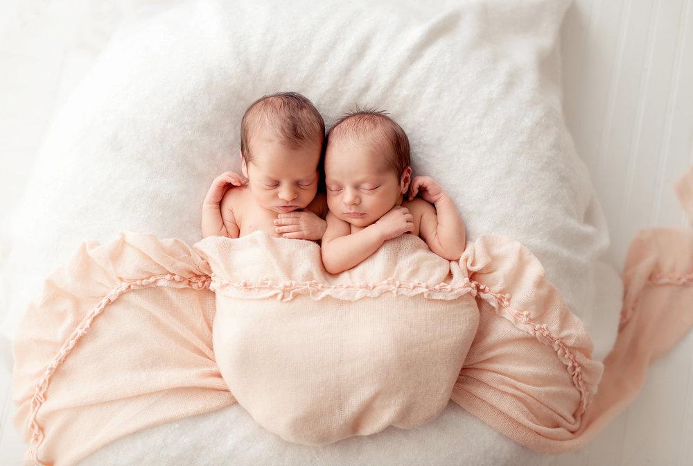 Isla and everly rachel ezzo baton rouge newborn and baby photographer