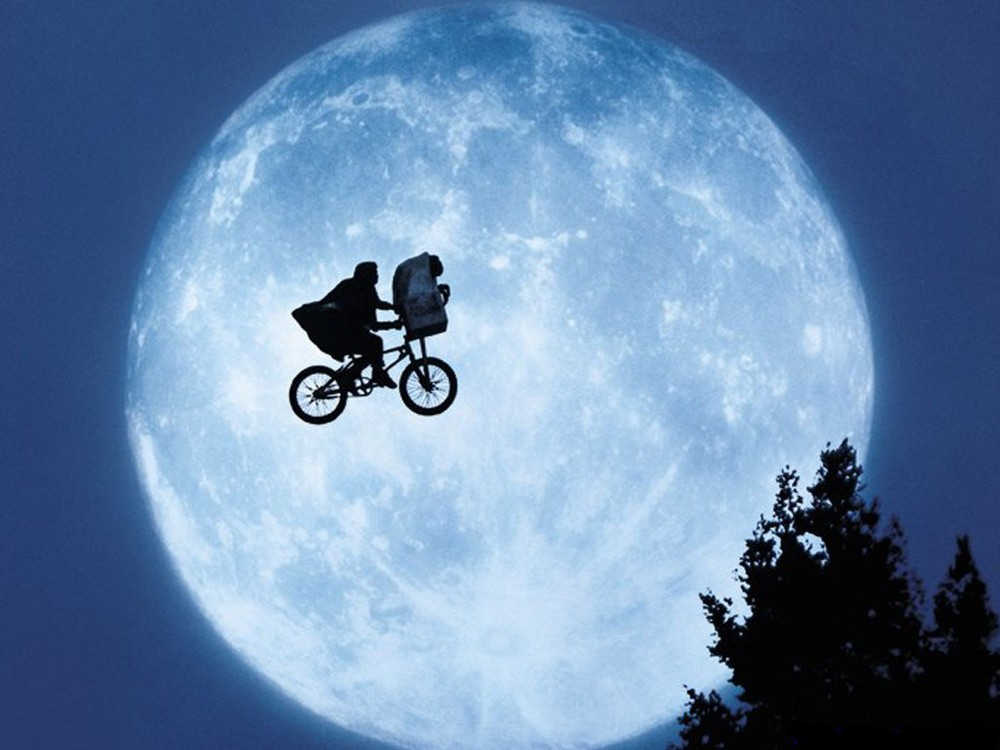 E-T-The-Extra-Terrestrial-et-the-extra-terrestrial-928616_1024_768-1-3614.jpg