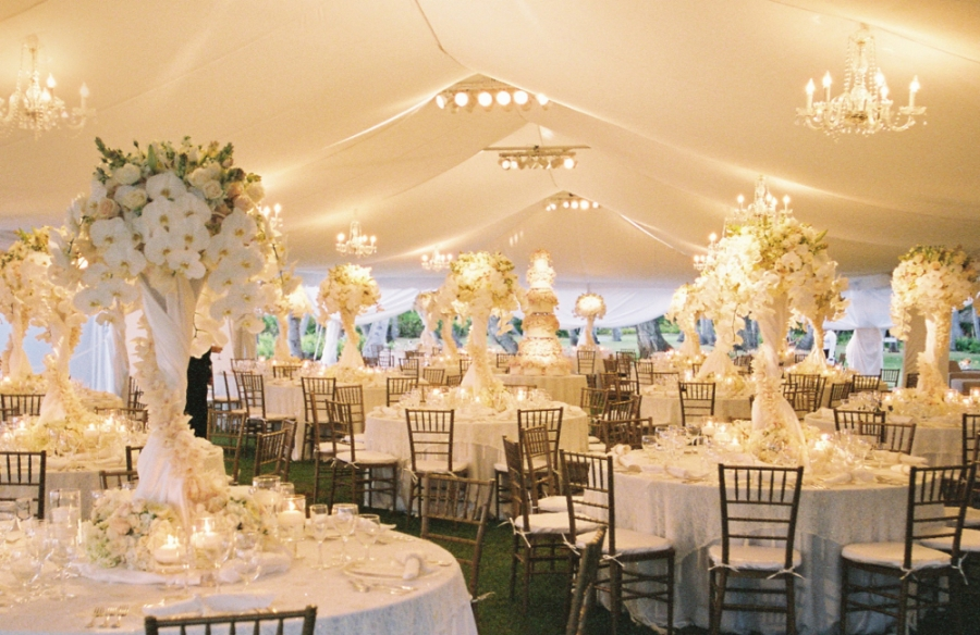 smooth white tent liner photo Jose Villa & Fabric Installations u2014 MOOD EVENT