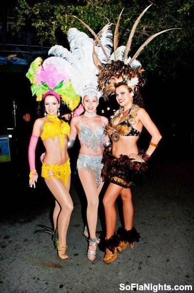 samba dancers brazillian dancers