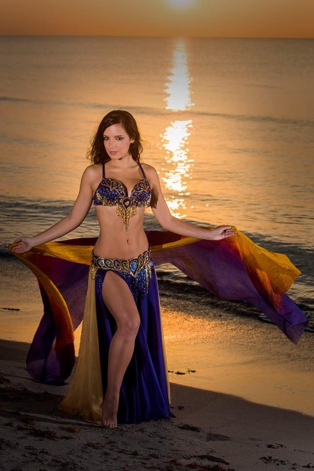 bella_blue_peacock_bellydance_costume