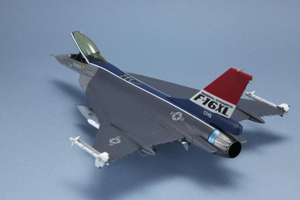 1-72 F-16XL © www.modern-hobbies.com 8.jpg