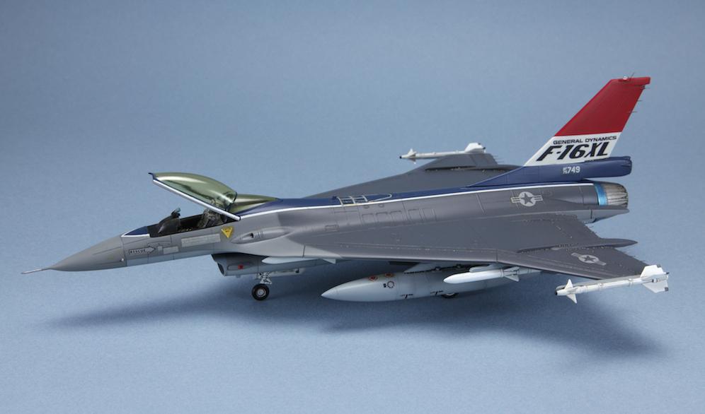 1-72 F-16XL © www.modern-hobbies.com 7.jpg
