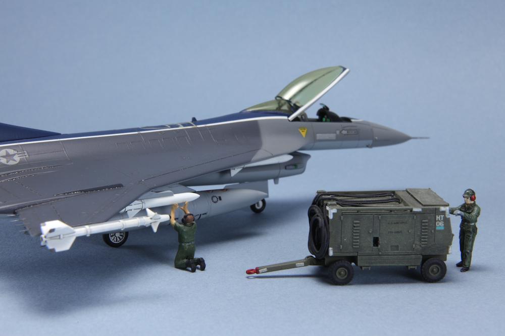 1-72 F-16XL © www.modern-hobbies.com 12.jpg