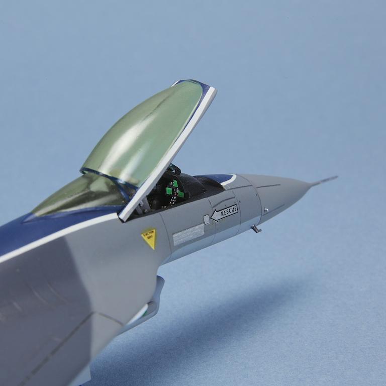 1-72 F-16XL © www.modern-hobbies.com 9.jpg