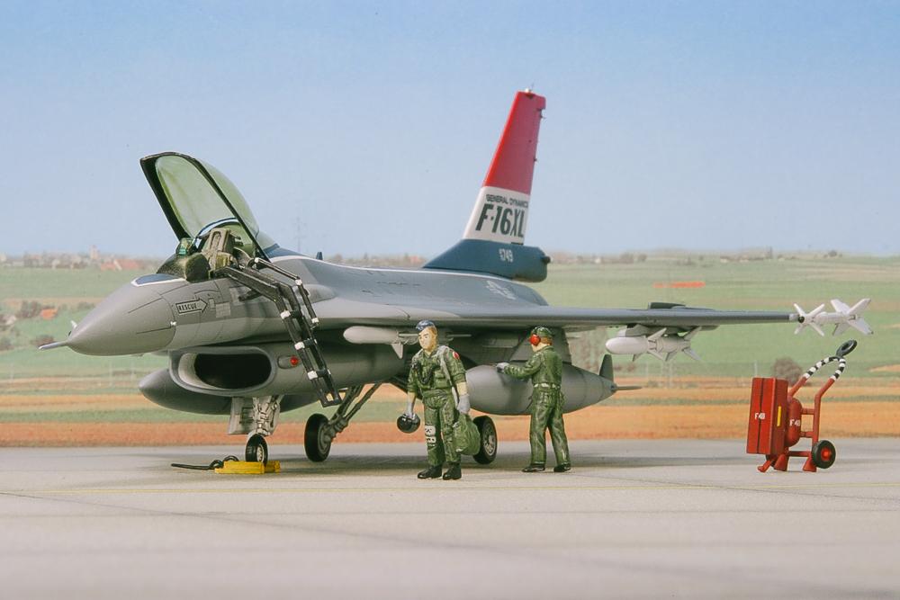F-16XL-www.modern-hobbies.com.jpg
