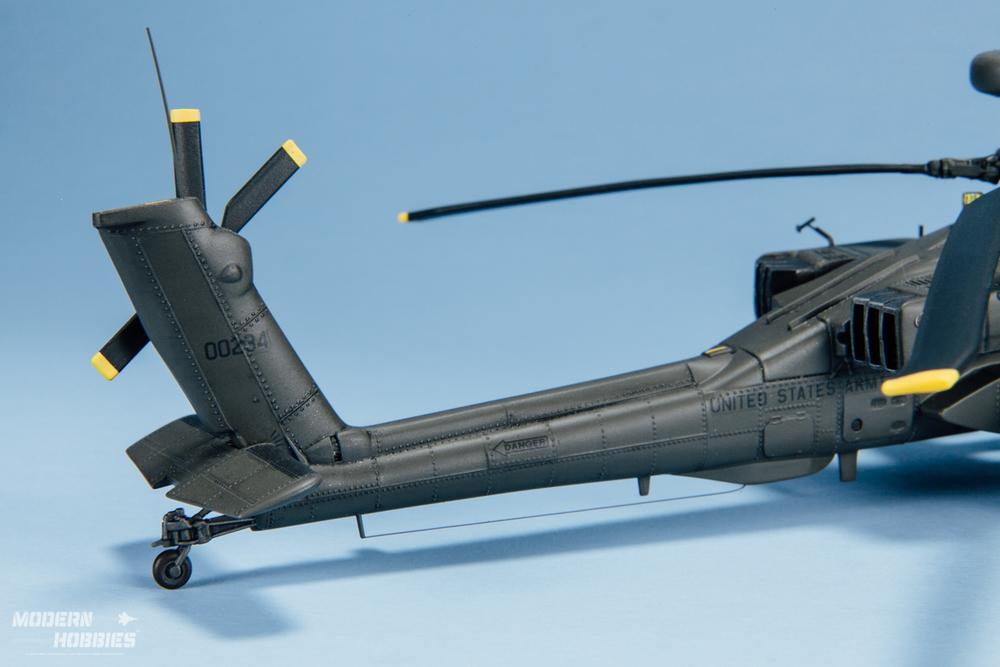 Italeri 1-72 AH-64D_©www.modern-hobbies.com-4.jpg