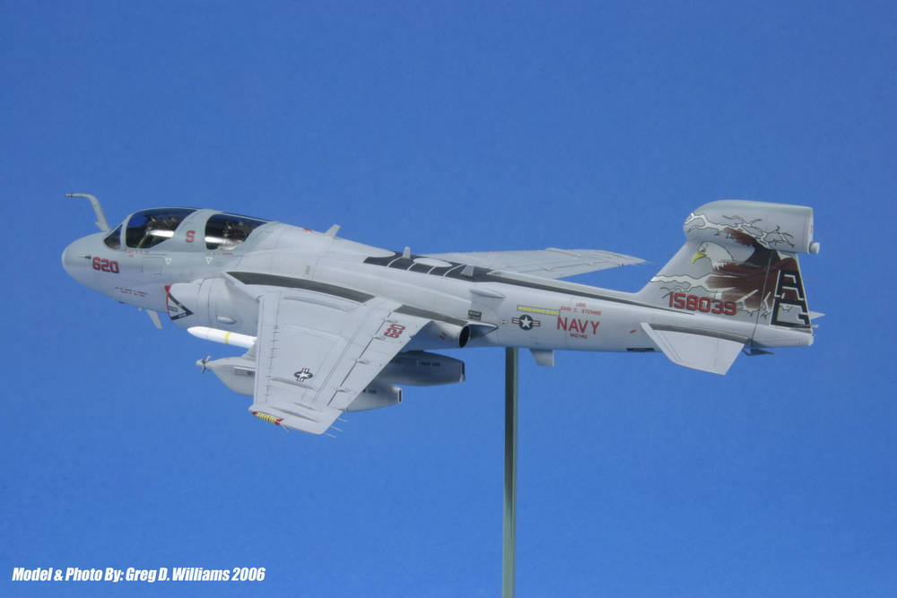 www.modern-hobbies.com-displaying models-1-72nd scale jets-model display stands-in flight models-wheels down display-dioramas-model photography-9.JPG