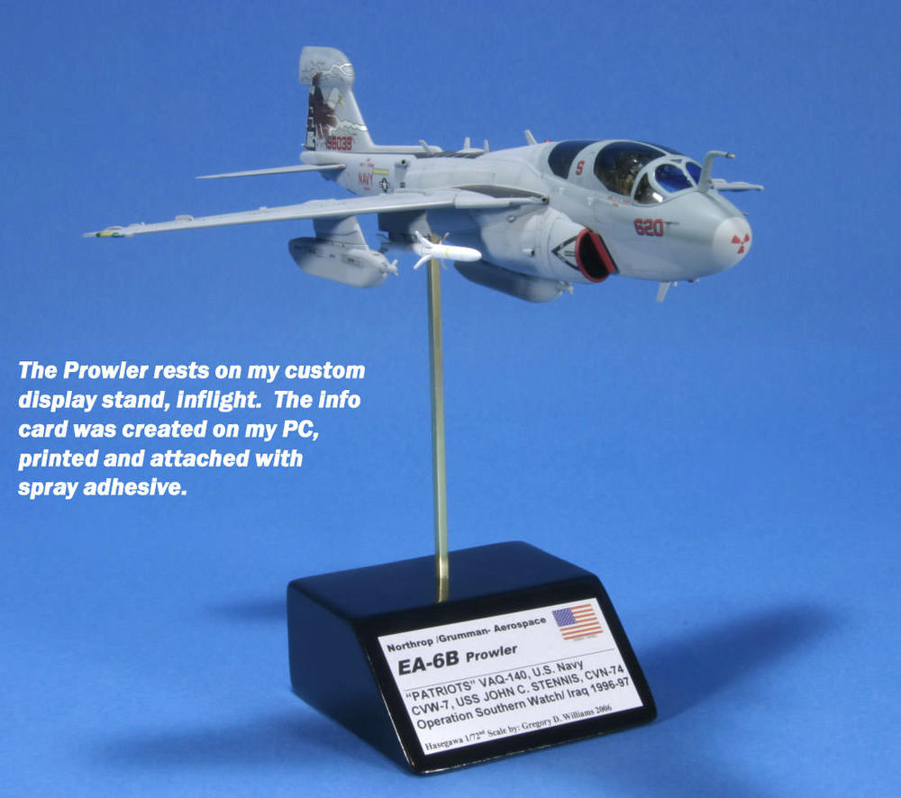www.modern-hobbies.com-displaying models-1-72nd scale jets-model display stands-in flight models-wheels down display-dioramas-model photography-10.JPG