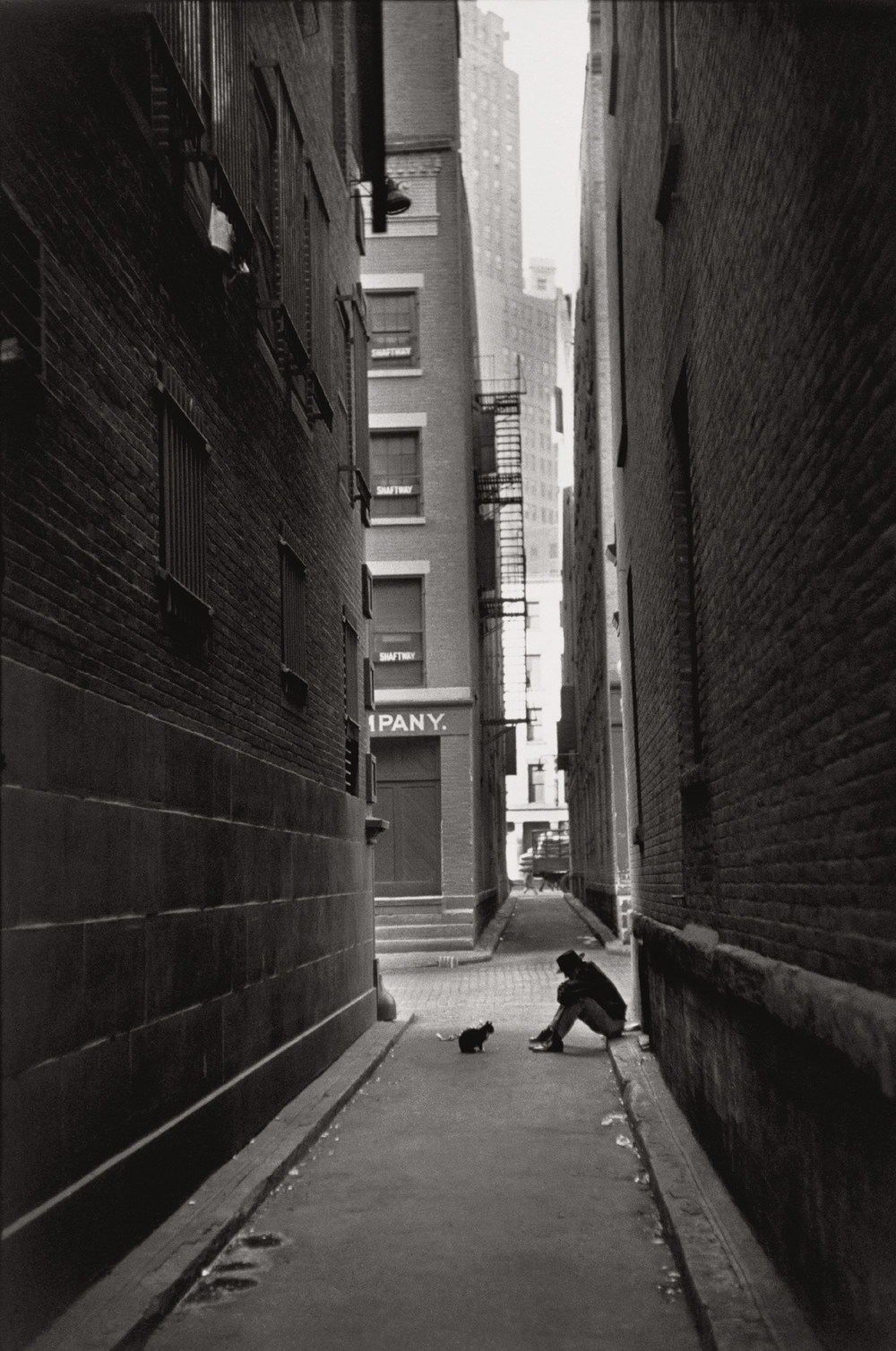 Henri Cartier Bresson - New York City. Manhattan. Downtown. (1947)