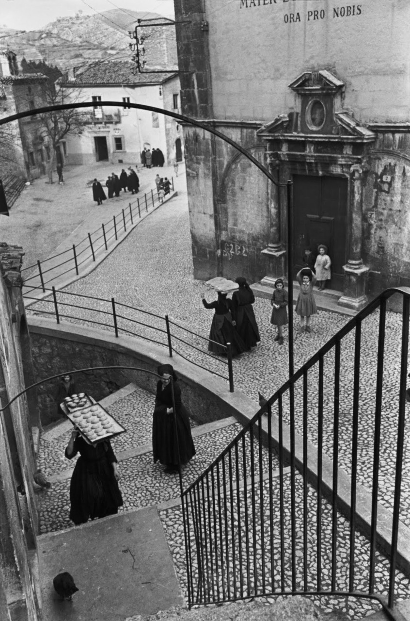 Henri Cartier Bresson - Abruzze. Village of Aquila. (1951)