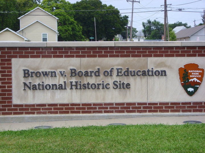 brown-vs-board-of-education-topeka1.jpg