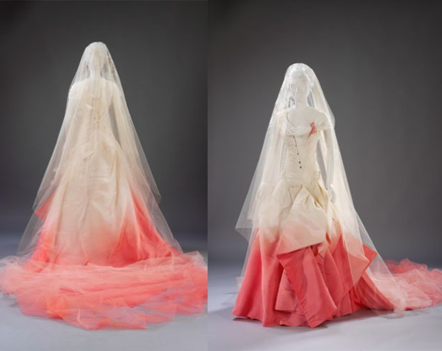Gwen-Stefani-Wedding-Dress-Replica.jpg