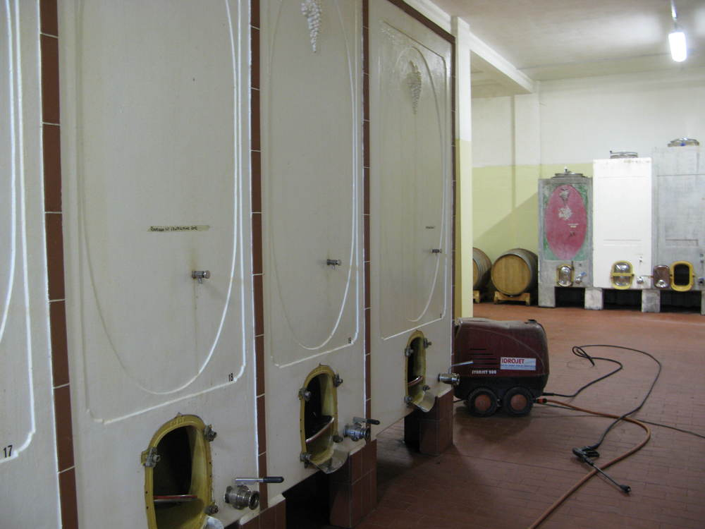 Cement tanks are popular in Emilia-Romagna