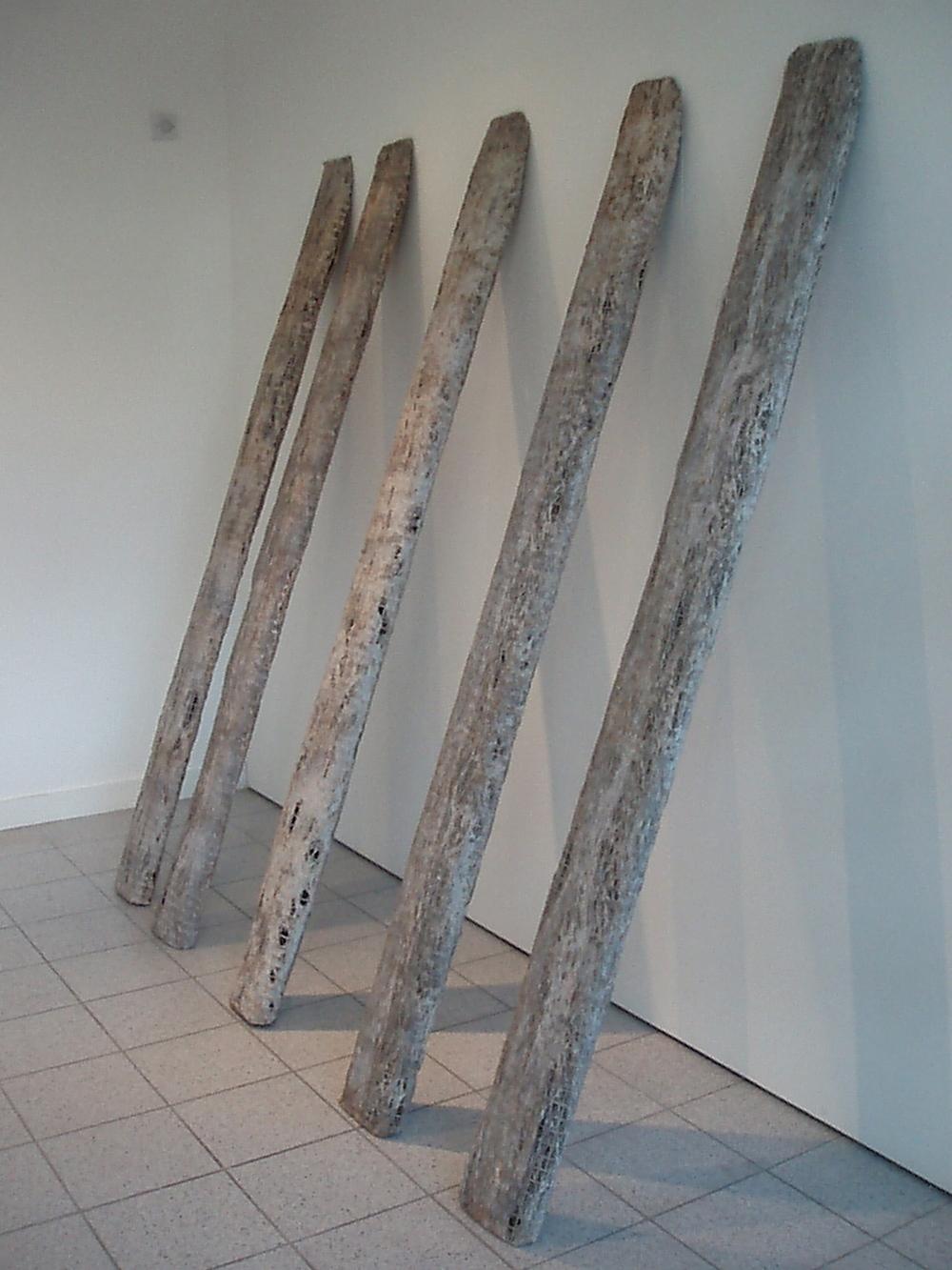 Still Standing - Dimensions: 200 x 120 x 50 cm