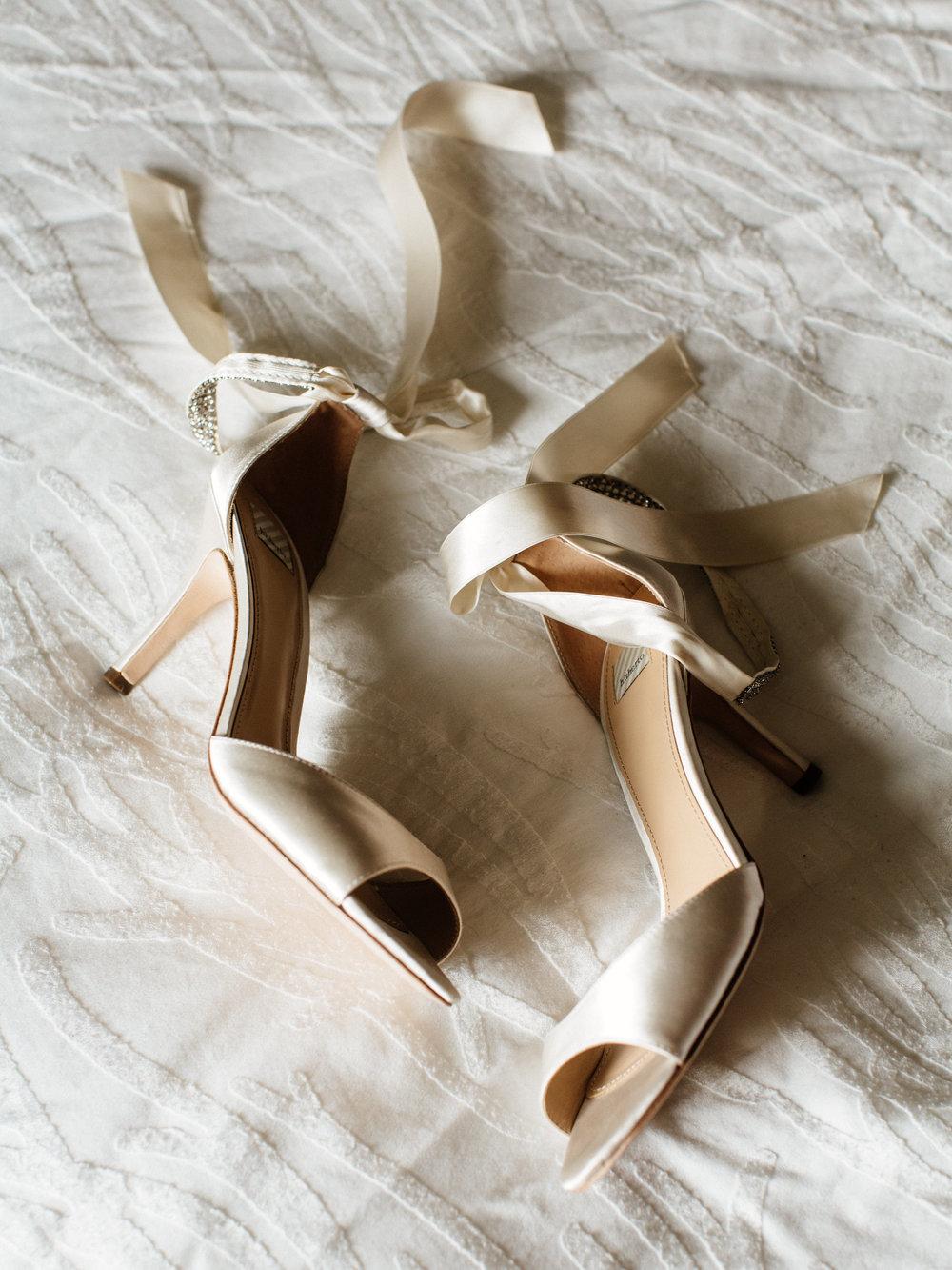 01-Smith-Wedding-Getting-Ready-009.jpg