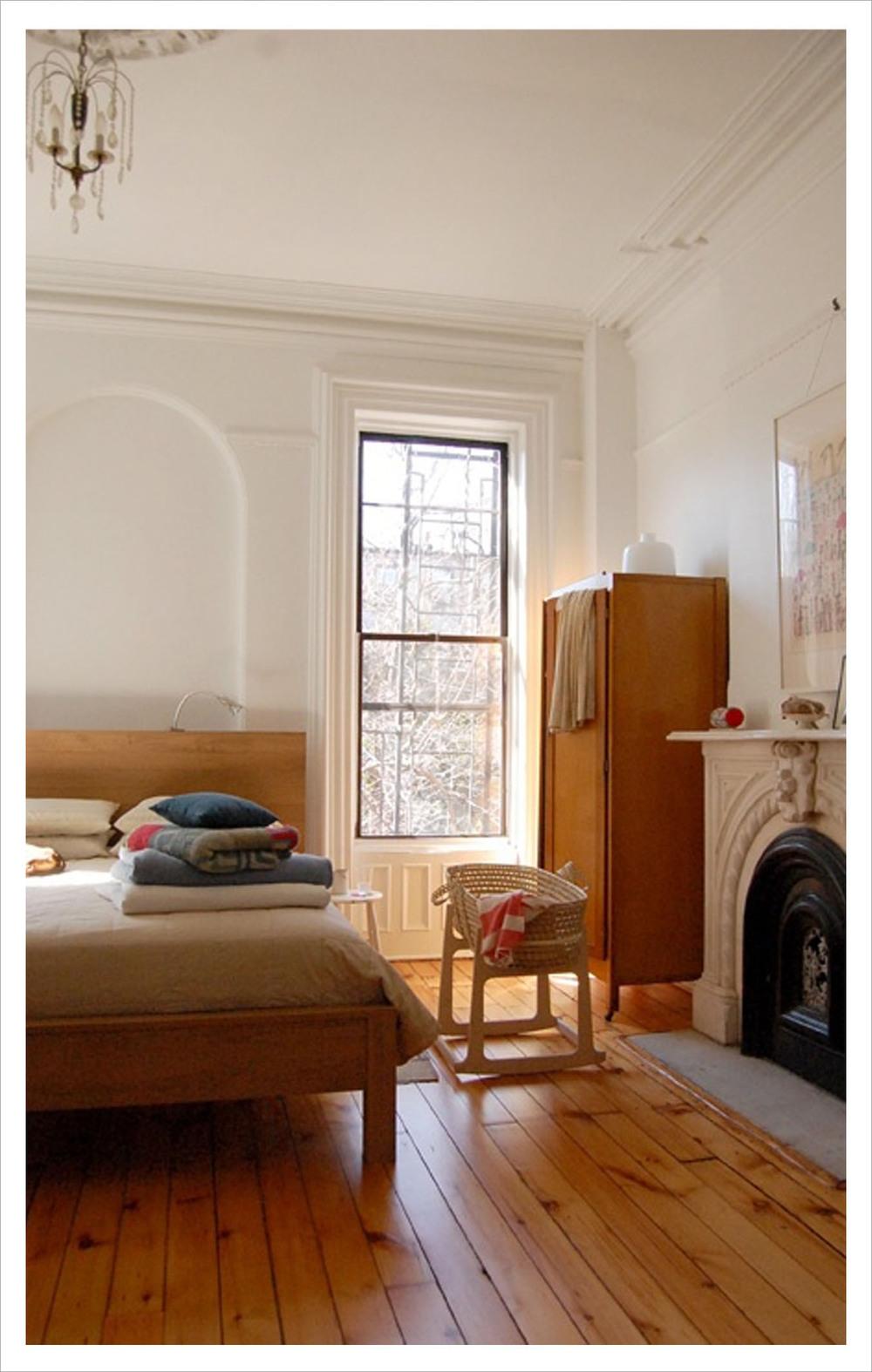 angle_bedroom_frm.jpg