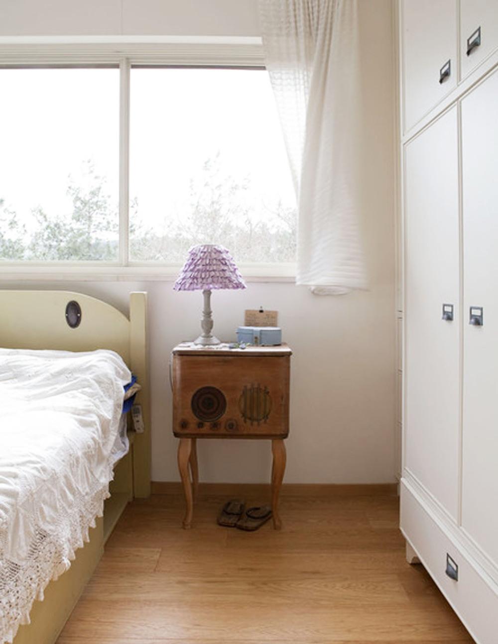 galil_bedroom.jpg