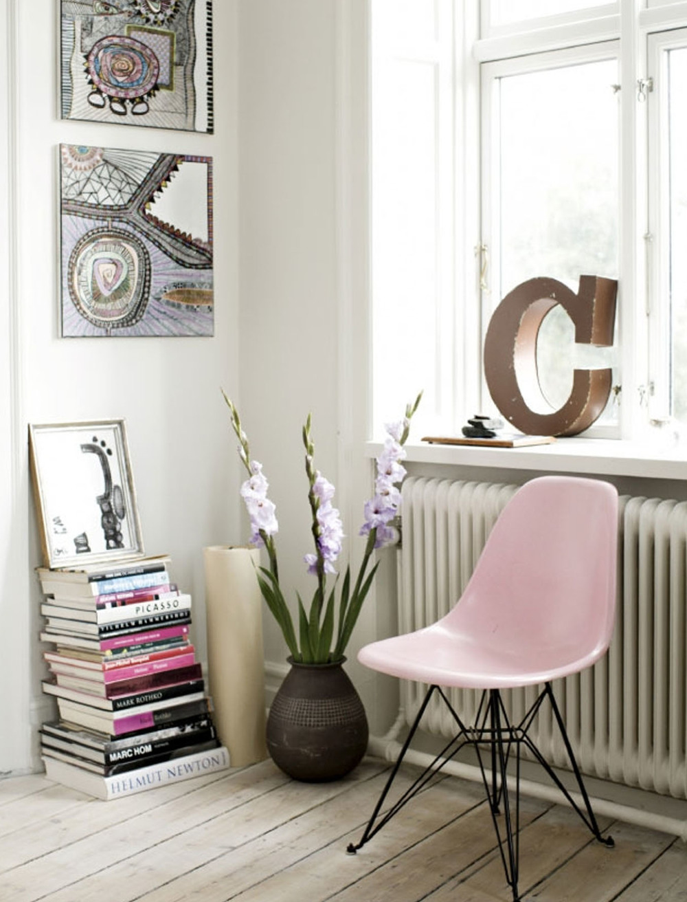pinkblk_pinkchair.jpg