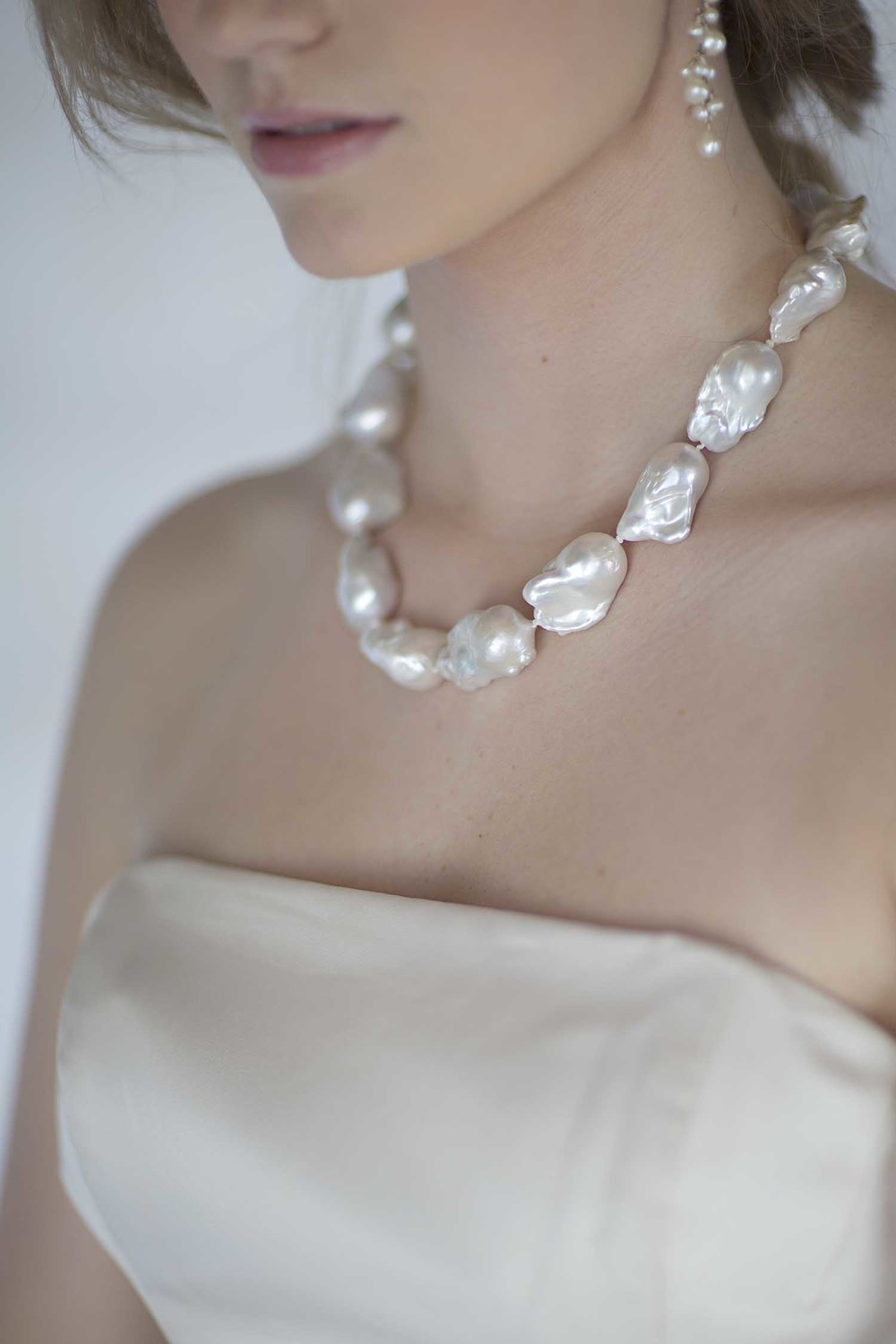 kari herer-107 copy_jumbo_baroque_pearls_bridal.jpg