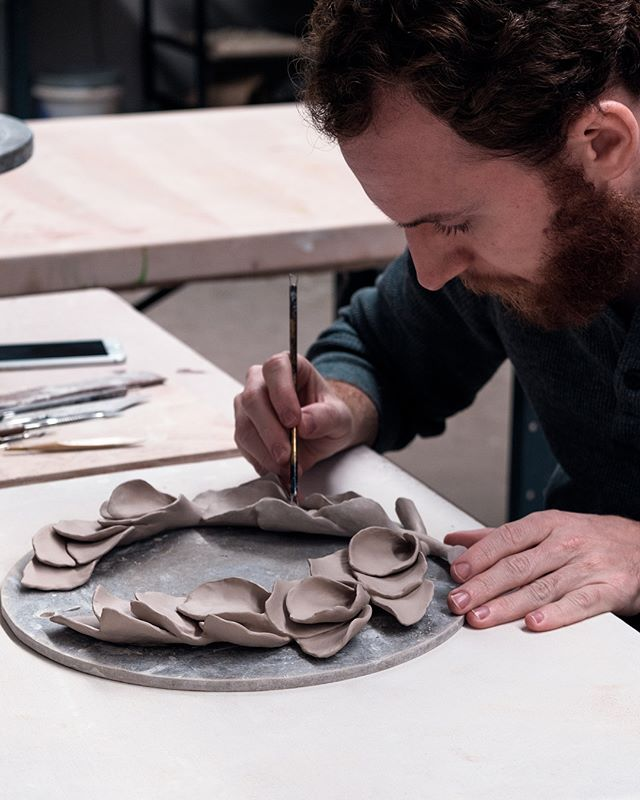 A fun piece to make on my last day at Penland winter residency. . . #workinprogress #wip #ceramics #ceramic #artist #studio #laurelwreath #handmade #sculpture #artsy #brazilianart #contemporarysculpture #newcontemporaryart #popsurrealism #pedrojardimart #penland