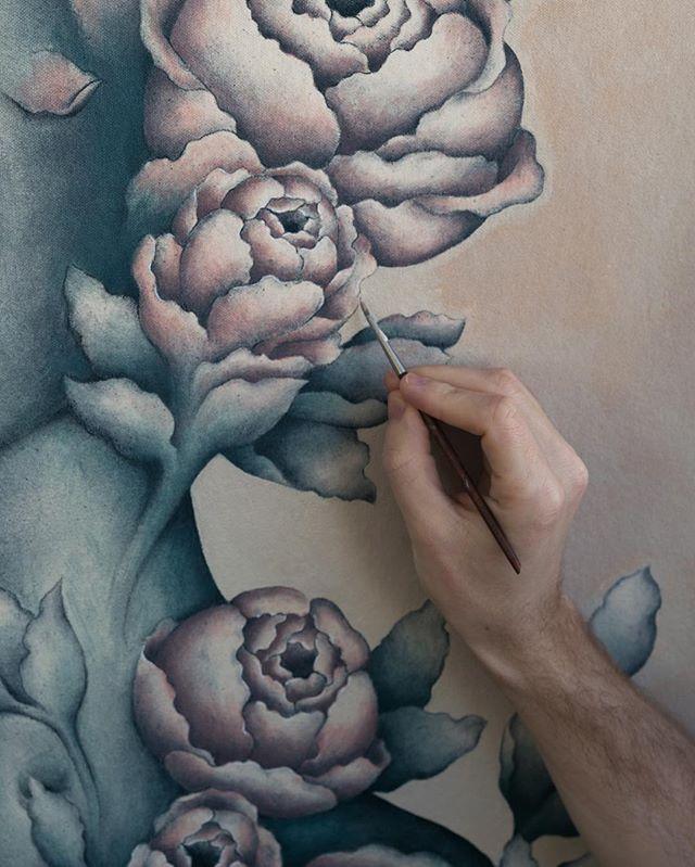 Having a lot of fun with this one . . . #art #fineart #artistic #artwork #acrylicpainting #flowers #flower #brush #workinprogress #wip #newart #rose #roses #popsurrealism #newcontemporaryart #studio #brazilianart #pedrojardim #pedrojardimart