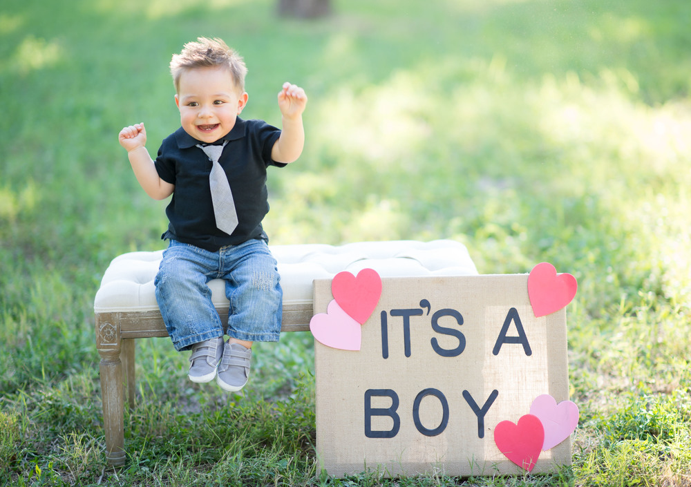 Little Cruz going to be a big brother and loving it..It's a boy!!