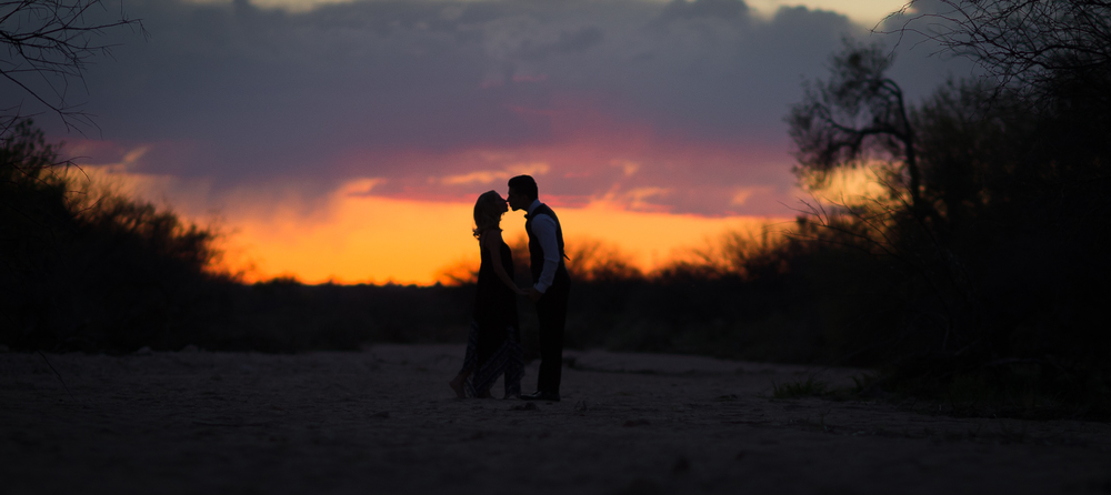 kissing-sunset-engagement-tucson.jpg