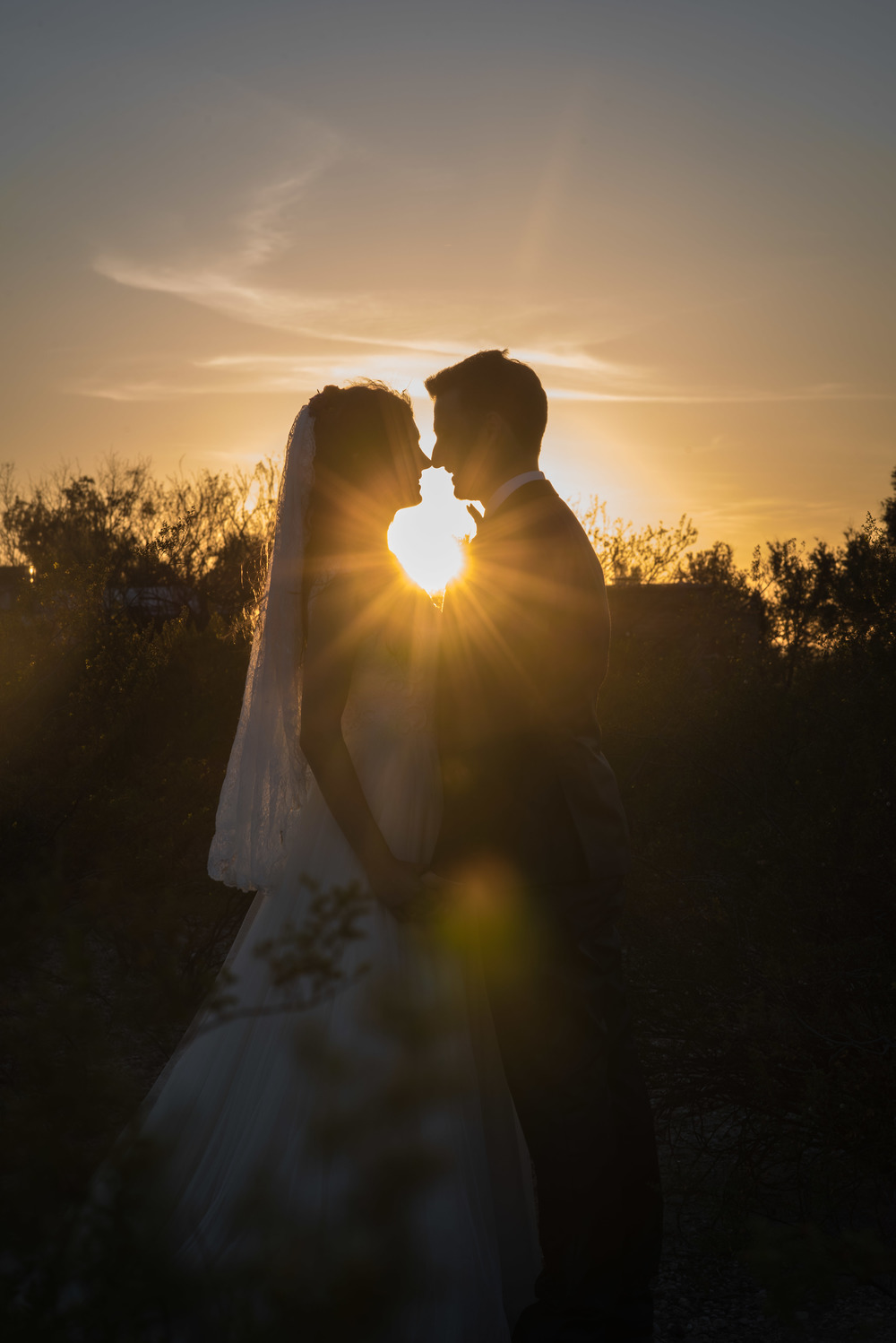 tucson-bride-groom-sunset-silouet