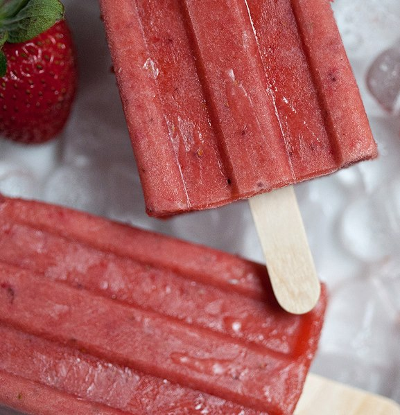 strawberry and   nectarine icepops