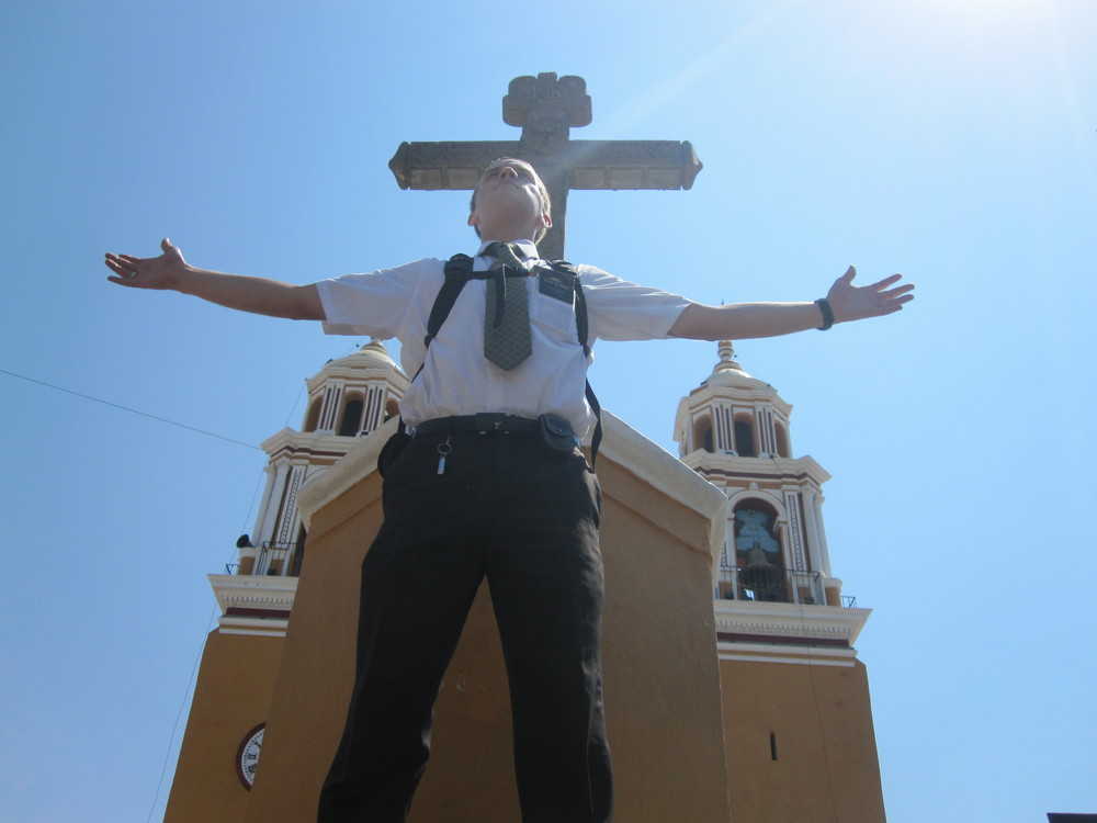 Elder Blanding at the top of Cholula