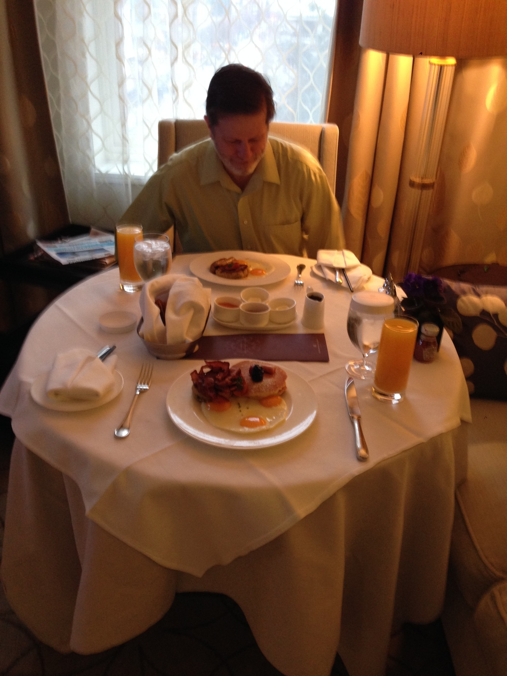 Room service for breakfast! YUM!
